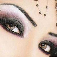 8 Adımda Çekic Göz Makyajı