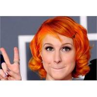 Kızıl Renkli Saçlar İle Gelen Güzellik Bambaşka