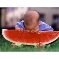 Bebeğiniz Mevsimlere Göre Nasıl Beslenmeli?