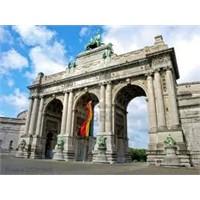 Brüksel'in Ünlü Parkı - Cinquantenaire Park