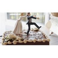 Neden Herkes Düğün Yapar?