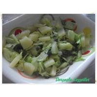 Ananaslı Kaparili Yeşil Salata
