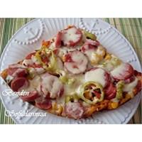 Sosisli Pizza