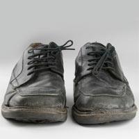 Islatılınca Büyüyen Ayakkabılar