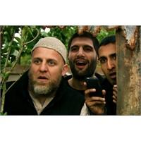 Dört Aslan - Cihadın Komik Yüzü