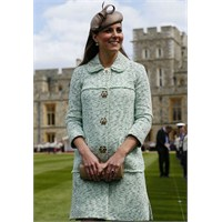 Kate Middleton: Mulberry Mint Manto