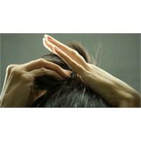 Saçını Tararsa Beyni Duruyor!