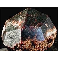 Değerli Taşlar - Garnet (Lal) Taşı