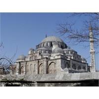 Mimar Sinan Ve Şehzade Cami Efsanesi