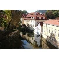 Prag Kampa Adası Hakkında Merak Ettikleriniz.