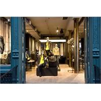 Dünyanın En Büyük Porsche Design Mağazası Soho'da