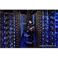 Google, Gizli Veri Merkezinin Kapılarını Açtı