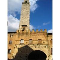 Toskanada Bir Ortaçağ Kasabası: San Gimignano