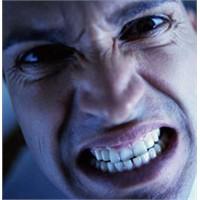 Stres çenenize de zarar veriyor