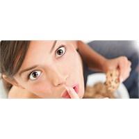 Stresliyken Yemekten Kaçının ...!