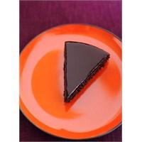 Portakal, Badem Ve Çikolatalı Pasta