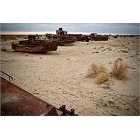 Aral Gölü Artık Bir Kum Çölü