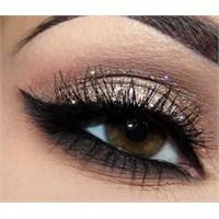 İşıltılı Göz Makyajı Yapımı