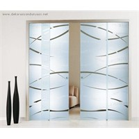 Dekoratif Özellikli Cam Kapı Modelleri