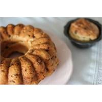 Üzümlü Mayalı Kek