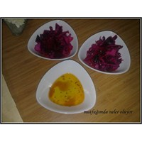 Kolay Mor Lahana Salatası