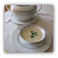 """Kremalı Mantar Çorbası"""