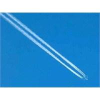 Uçaklar Neden Arkalarında Bulut Bırakır