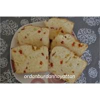 Mısırlı Ve Kırmızı Biberli Baton Ekmek