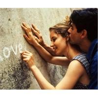 Aşkı Sürdürmenin 25 İlginç Yolu