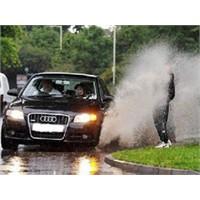 Yağmurda Güvenli Sürüşün 12 Altın Kuralı