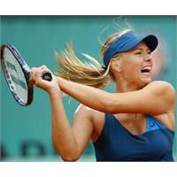 Yuhalamanın Sorumlusu Sharapova'dir!