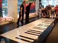 Dans Mı Piyano Mu?