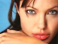 Dört Basit Adımda,angelina Jolie Gibi Dudaklar !
