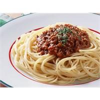 Bu Akşam Spagetti Bolognese Makarnası Yapalım!