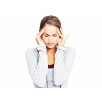 Şiddetli Baş Ağrısı Beyin Tümörünün Habercisi Mi?