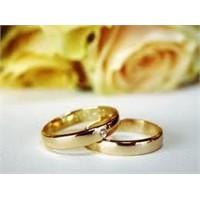 Nikah Yüzüğünde Küpe