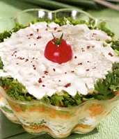 Süzme Yoğurtlu Renkli Salata