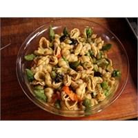 Ev Usulü Makarna Salatası
