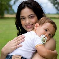 Bebeklere Emzik Verilmeli Mi ?
