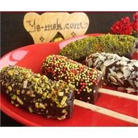Çikolata Kaplı Muz Çubukları (Resimli Anlatım)