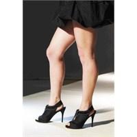 Selülitler Ve Yüksek Topuklu Ayakkabılar