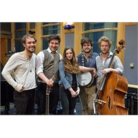 """Yeni: Mumford & Sons And Birdy """"Learn Me Right"""""""