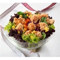 Çıtırlara Doyamanlara Lezzet Fışkıran Salatalar