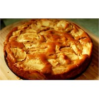 Keklerin Güzeli Kelepçeli Elmalı Kek