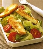 Kızarmış Hellim Peynirli Salata