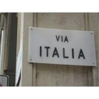 İtalya'da Bir Küçük Şehir