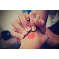 Ellerini Aşkın Elif Haliyle Uzat Ellerime