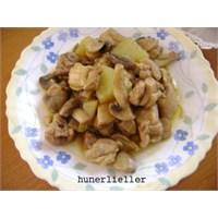 Mantarlı Tavuk Yemeği