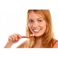 Karbonhidratlı Gıdalar Diş Çürüğü Nedeni