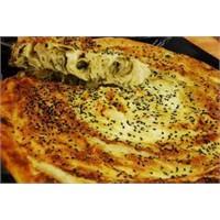Mantarlı Çörek Otlu Rulo Börek